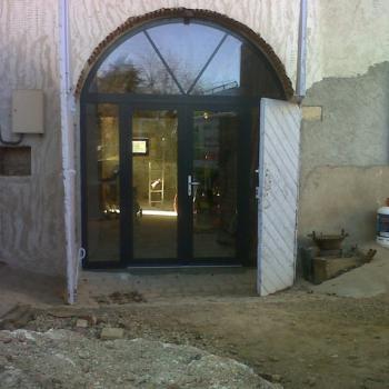 Pose de porte à Saint Georges de Reneins